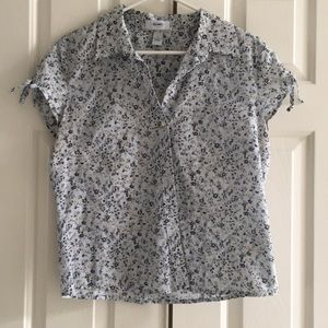 Old Navy Button Up Top.